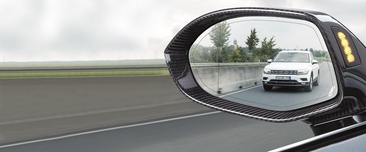 hella radar e sensori per l iam notiziario motoristico. Black Bedroom Furniture Sets. Home Design Ideas
