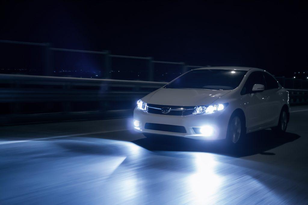 Speciale illuminazione: rivoluzione di luci notiziario motoristico